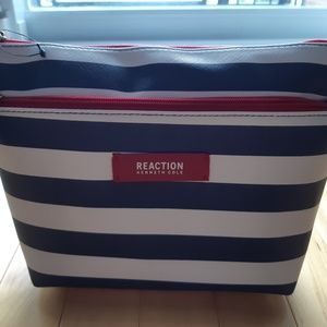 Reaction Kenneth Cole cometic bag